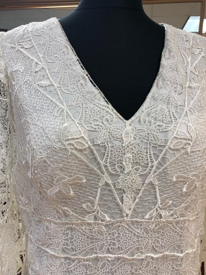 Jade Couture Antique Ivory Lace Antique-look Destination Gown with Belle Sleeves Vintage Wedding Dress Size 12 (L) Image 6