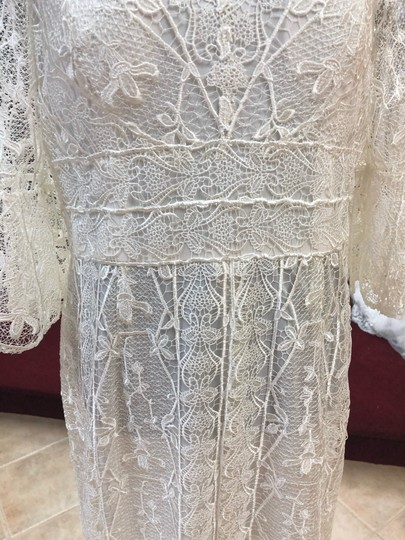 Jade Couture Antique Ivory Lace Antique-look Destination Gown with Belle Sleeves Vintage Wedding Dress Size 12 (L) Image 7