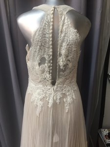 Pronovias Off White / Dark Soft Pleated Tulle Draconia Traditional Wedding Dress Size 6 (S)