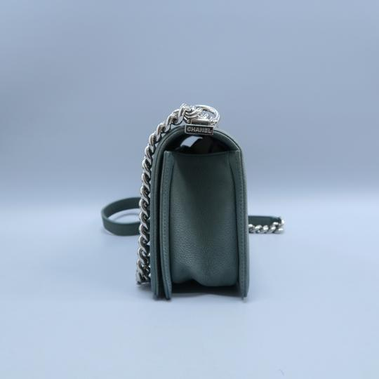Chanel Boy Medium Caviar Shoulder Bag Image 4