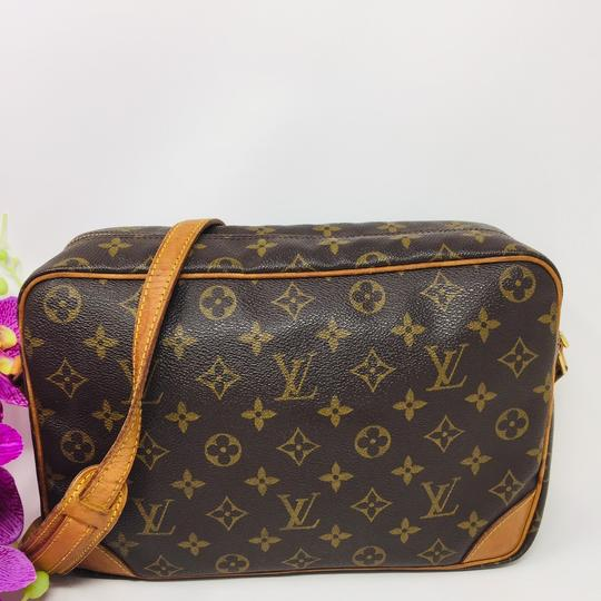 Authentic Louis Vuitton Crossbody Bag Cross Body Bag Image 1