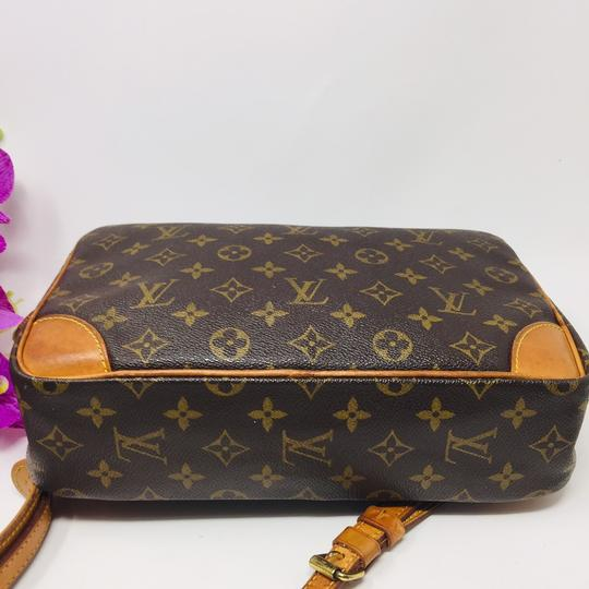 Authentic Louis Vuitton Crossbody Bag Cross Body Bag Image 2