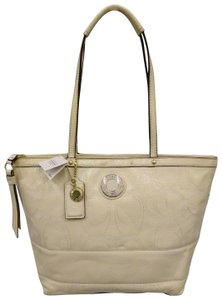Coach 1941 19198 Tote in Ivory