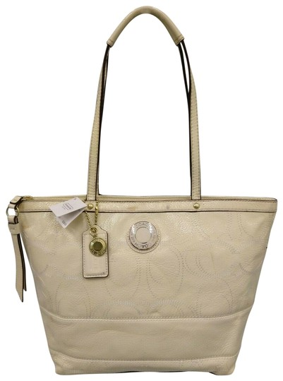 Preload https://img-static.tradesy.com/item/25718768/coach-1941-satchel-handbag-new-with-tag-ivory-patent-leather-tote-0-1-540-540.jpg