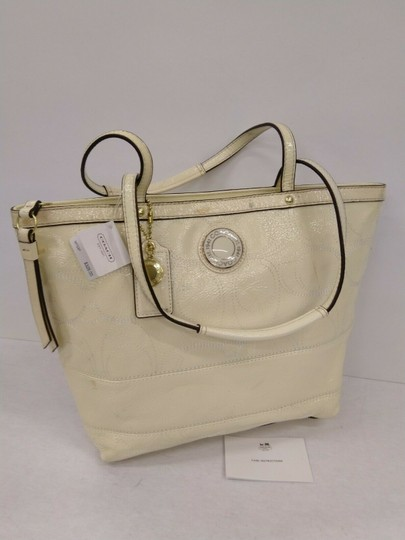 Coach 1941 19198 Tote in Ivory Image 3