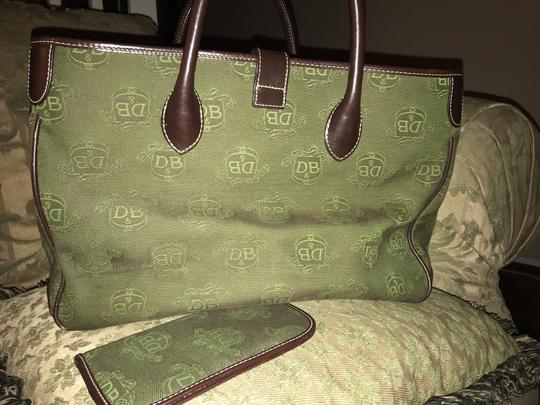 Dooney & Bourke Tote in Rich inviting green Image 1