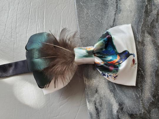 White Green New Bird Peacock Real Feather Party Hand Made Tie/Bowtie Image 1