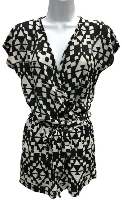 Item - Black/White XS Printed Belted Poly Romper/Jumpsuit