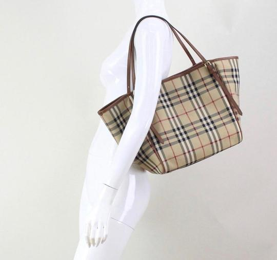 Burberry Check Horseferry Tote in Tan/Honey Image 10