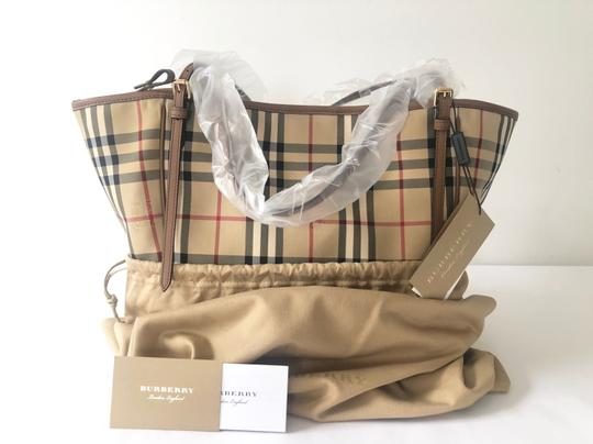 Burberry Check Horseferry Tote in Tan/Honey Image 2