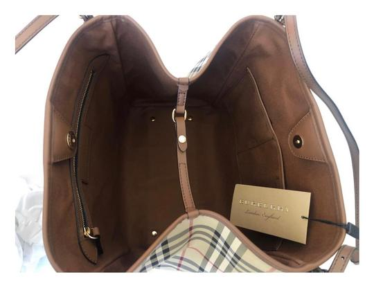 Burberry Check Horseferry Tote in Tan/Honey Image 5