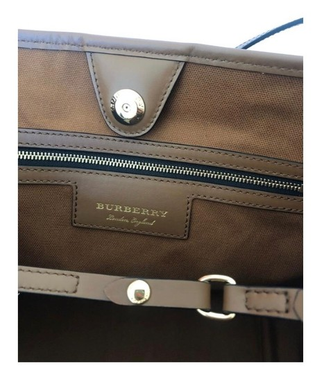 Burberry Check Horseferry Tote in Tan/Honey Image 7