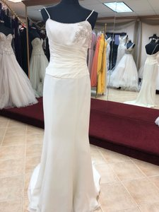 Moonlight Bridal Ivory Chiffon Gown Destination Wedding Dress Size 8 (M)