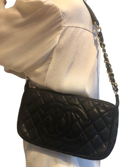 Preload https://img-static.tradesy.com/item/25722536/chanel-quilted-cc-black-w-gold-hardware-caviar-leather-shoulder-bag-0-1-540-540.jpg