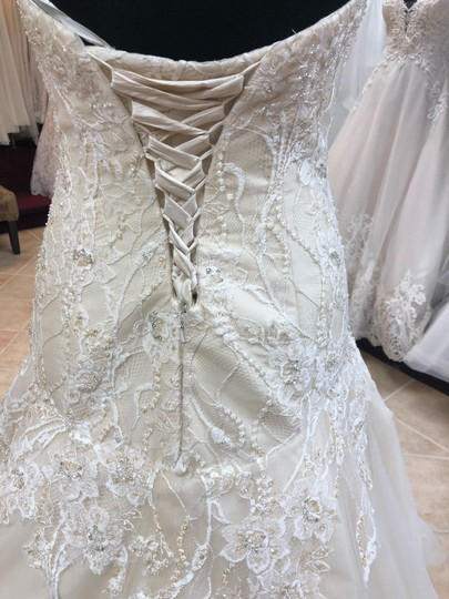 Casablanca Couture Ivory Lace/Champagne Lining Gown Sexy Wedding Dress Size 8 (M) Image 4