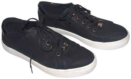 Preload https://img-static.tradesy.com/item/25722677/liz-claiborne-black-warwick-fashion-sneakers-size-us-85-regular-m-b-0-1-540-540.jpg