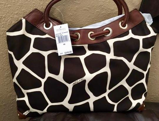 Michael Kors Tote in Ivory/Black/Brown Image 1
