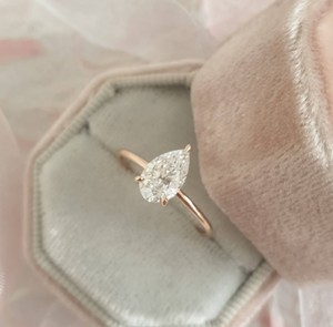 Rose Gold Diamond 1.02 Carat Pear Shape Solitaire Diamond Engagement Ring