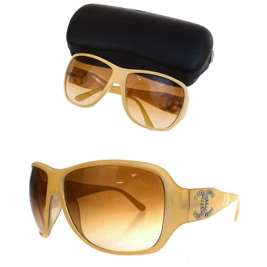 Preload https://img-static.tradesy.com/item/25723375/chanel-beige-cc-logo-eye-wear-plastic-italy-sunglasses-0-0-540-540.jpg