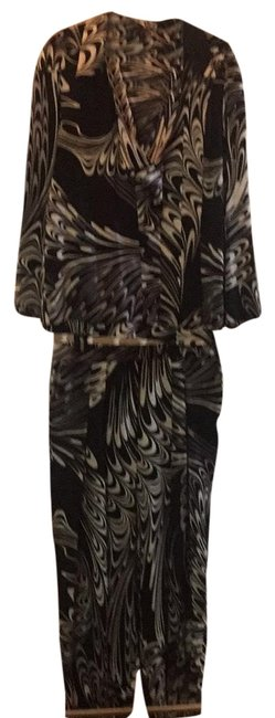 Preload https://img-static.tradesy.com/item/25723579/escada-black-with-and-and-gray-swirls-unknown-pant-suit-size-8-m-0-1-650-650.jpg