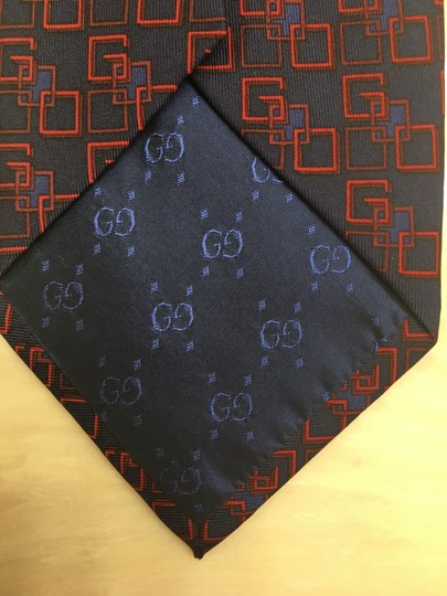 Gucci Gucci logo Used Once in fashion show Image 2
