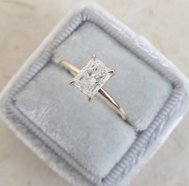 Yellow Gold 1.10 Carat Diamond Solitaire Radiant Diamond Engagement Ring Yellow Gold 1.10 Carat Diamond Solitaire Radiant Diamond Engagement Ring Image 1