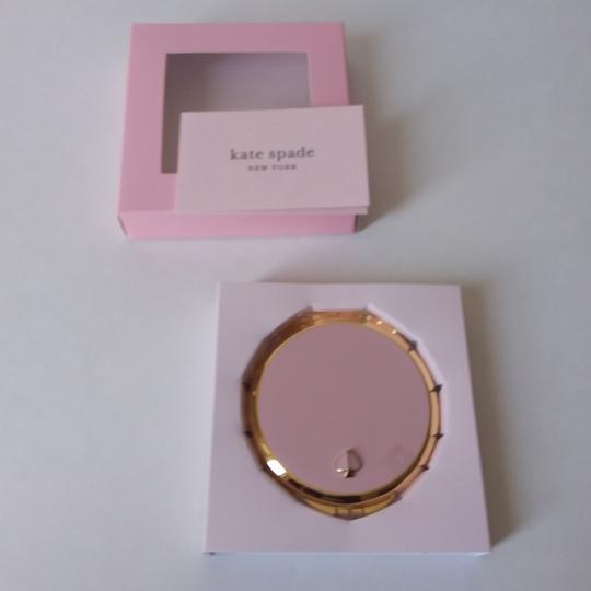 kate spade Round Gold Lenox Compact Image 2