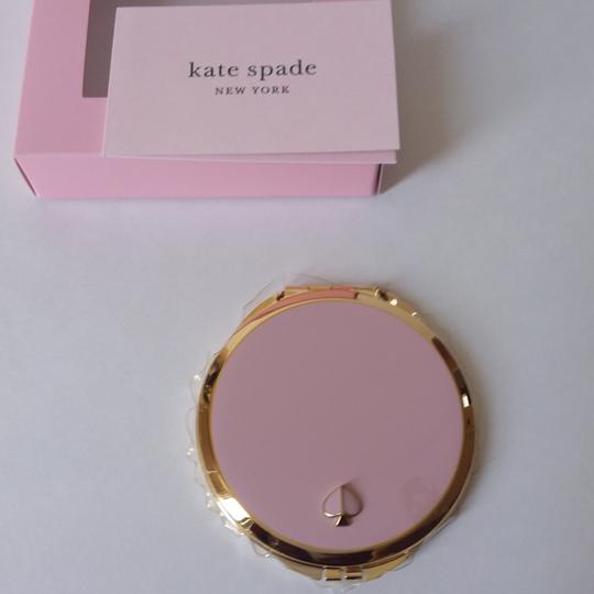 kate spade Round Gold Lenox Compact Image 3