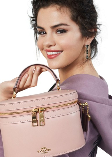 Preload https://img-static.tradesy.com/item/25723882/coach-limited-edition-selena-gomez-smooth-top-handle-pink-leather-cross-body-bag-0-1-540-540.jpg