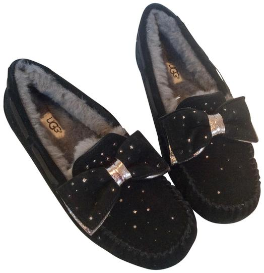 Preload https://img-static.tradesy.com/item/25723896/ugg-australia-black-dakota-stargirl-slipper-flats-size-us-8-regular-m-b-0-1-540-540.jpg