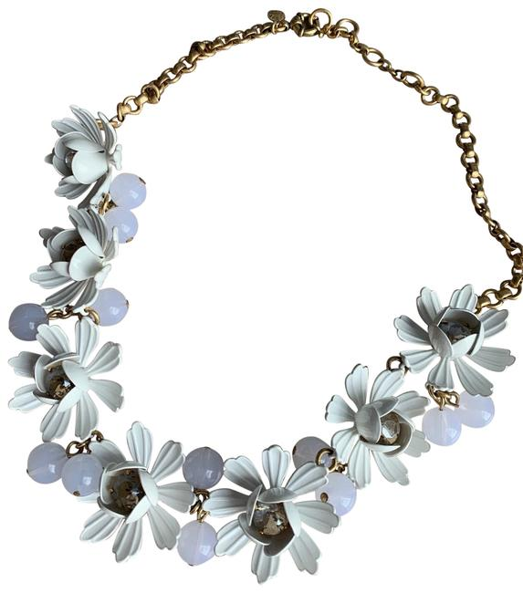 Item - White Daisy Statement Floral Necklace