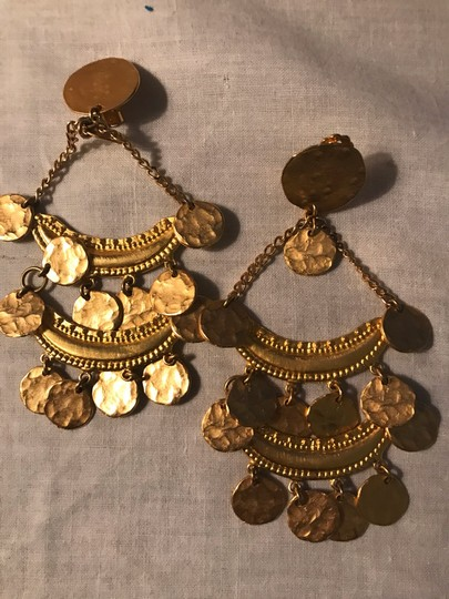 Kenneth Jay Lane Kenneth Jay Lane Gold coin clip on earrings Image 1