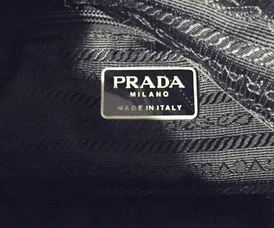 Prada Tote in black Image 6
