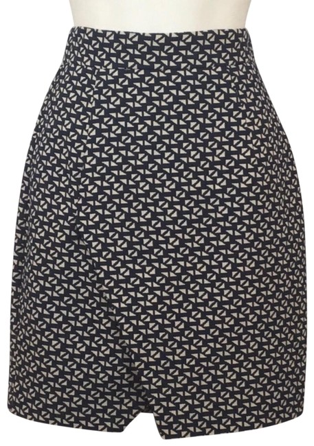 Preload https://img-static.tradesy.com/item/25726593/h-and-m-navy-print-geometric-skirt-size-4-s-27-0-1-650-650.jpg