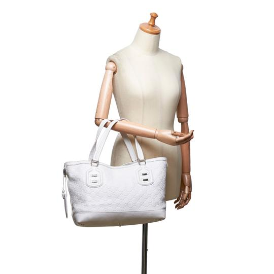Gucci 9fguto040 Vintage Cowhide Leather Tote in White Image 8