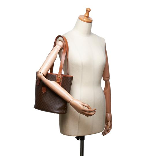 Céline 9cceto007 Vintage Plastic Leather Tote in Brown Image 11