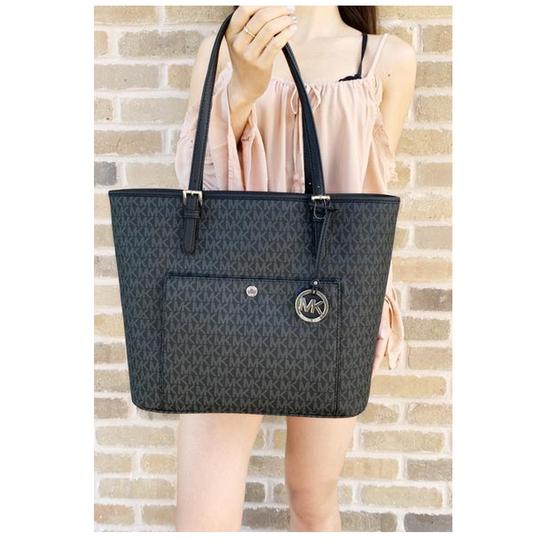 Michael Kors Womens Signature Tote in Black Image 7