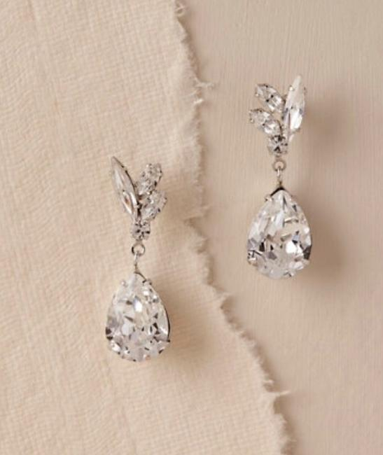 Item - Crystal Silver Whit By Ti Adoro Earrings