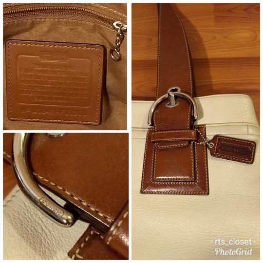 Coach 1941 Tote in white and brown Image 1