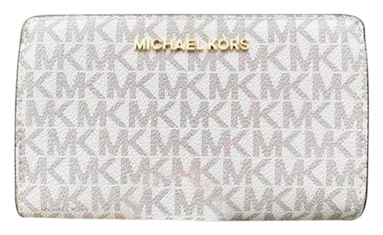 Preload https://img-static.tradesy.com/item/25727079/michael-kors-vanilla-jet-set-travel-pvc-slim-bifold-mk-acorn-wallet-0-1-540-540.jpg