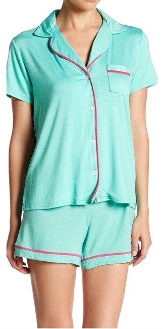 Preload https://img-static.tradesy.com/item/25727080/juicy-couture-aruba-blue-pajama-button-set-button-down-top-size-4-s-0-1-650-650.jpg