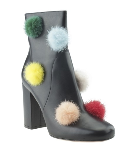 Preload https://img-static.tradesy.com/item/25727704/fendi-black-pompom-leather-ankle-174497-bootsbooties-size-us-10-regular-m-b-0-0-540-540.jpg