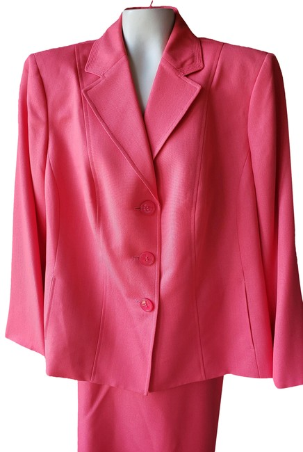 Item - Coral Blooming Beauty New Poppy Woman's Skirt Suit Size 20 (Plus 1x)