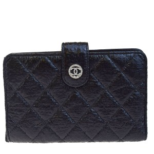 Chanel Authentic CHANEL CC Logos Quilted Bifold Wallet Purse Leather Black
