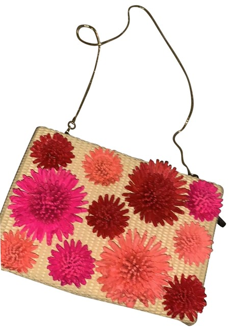 Item - Flower Purse On Chain Nude Pink Red Peach Coral Wicker Clutch