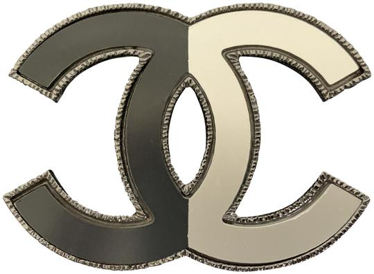 Preload https://img-static.tradesy.com/item/25732245/chanel-silver-large-cc-logo-two-tone-half-and-half-ruthenium-tone-pin-brooch-0-1-540-540.jpg