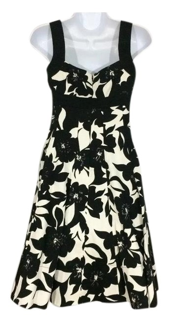 Item - and Mid-length Night Out Dress Size 0 (XS)