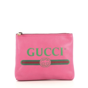 Gucci Leather Zipped pink Clutch