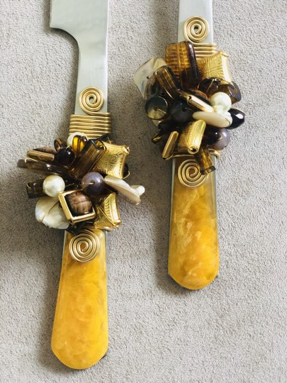 Yellow Cake Knife Set with Crystal Bead & Resin Handle Serverware Image 1