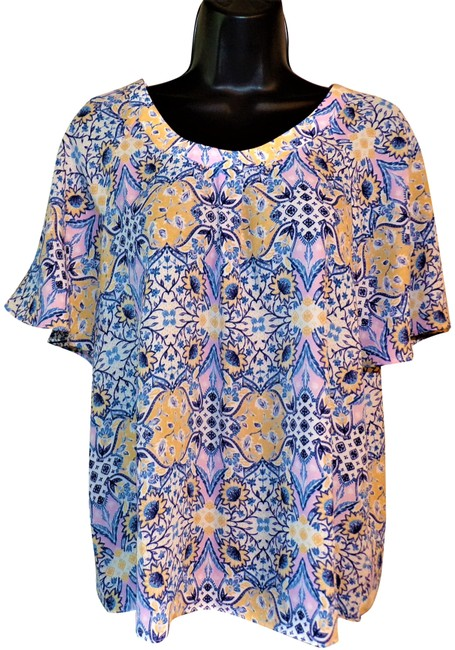 Item - Blue Yellow & White Flowered Pullover Blouse Size 8 (M)